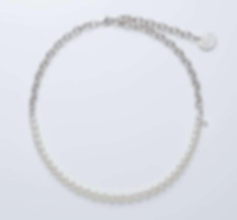 MIKIMOTO x COMME des GARÇ ONS 系列珍珠串鍊 日本 Akoya 珍珠,珍珠尺寸約 6.00mm 銀製鍊結,全長約 50cm 參考價格 NT$ 86,000