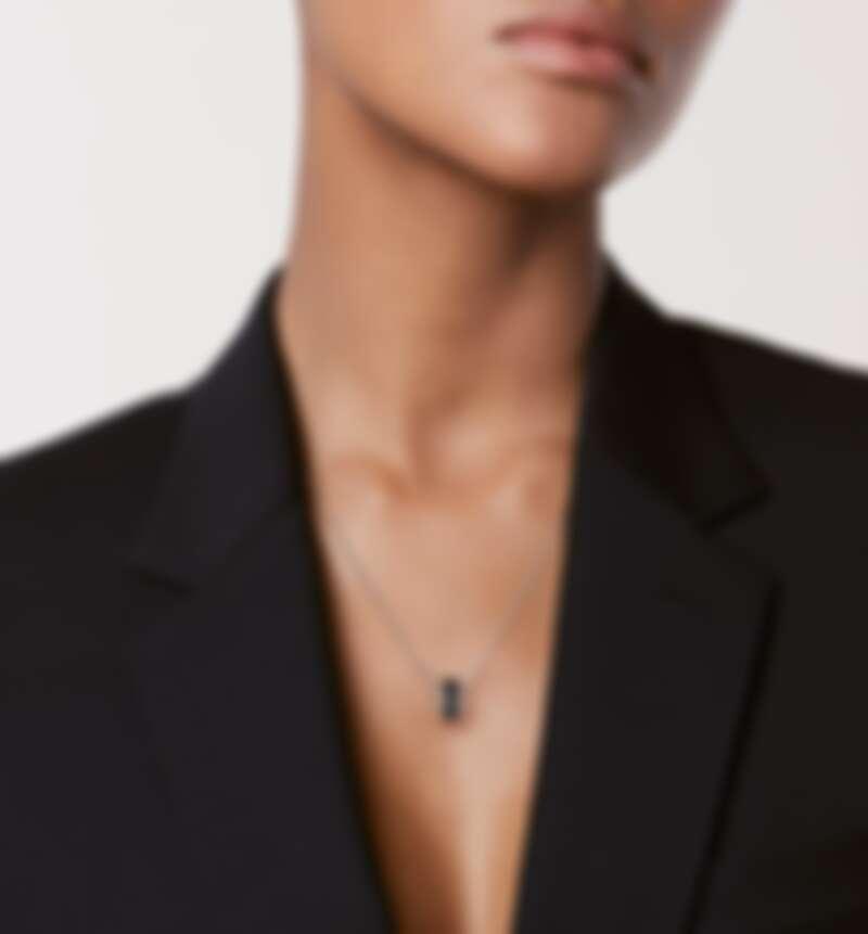 Chanel Ultra 系列項鍊,白金鑲嵌黑色陶瓷,售價NT$124,000