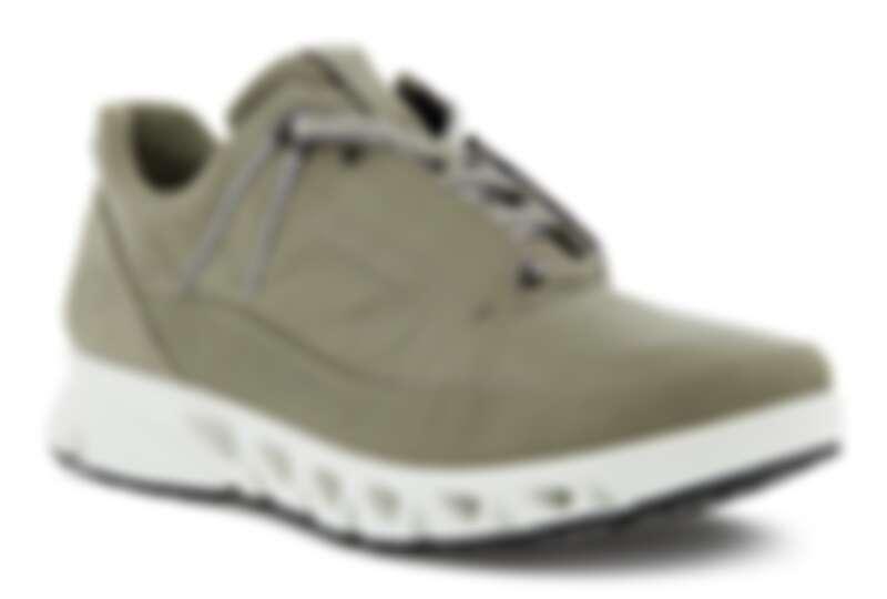 Ecco Multi-Vent防水運動鞋,售價NT$8,380