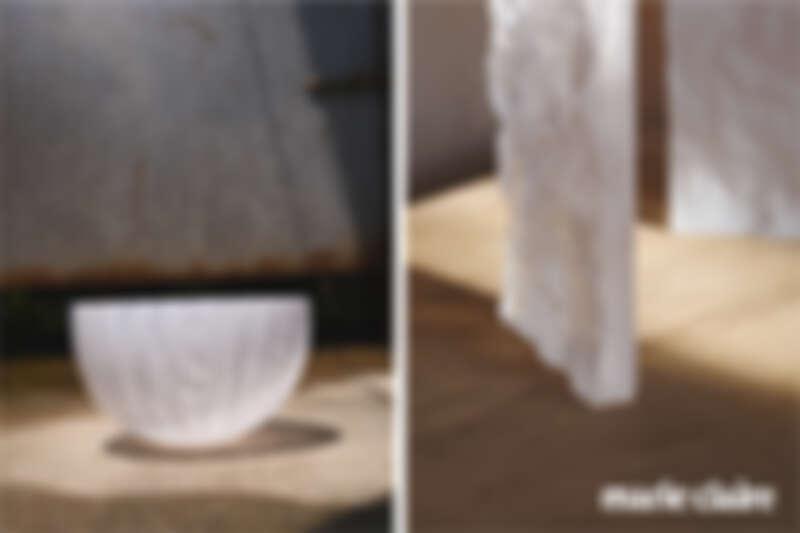 (左)為石垣ANA洲際度假村(ANA InterContinental Ishigaki Resort)製作的白蕾絲手工玻璃燈罩,使用滾筒馬賽克手工吹製成形,先製作成小圓盤再透過滾筒式的沾附技術,將熔合狀態的千花玻璃矩陣捲起成形,所有步驟中玻璃均須維持一個最理想的溫度,尤其要特別注意玻璃平面的邊緣是否成一直線且圓筒形的邊緣是否均呈水平。 (右)山形琉璃鑄造磚為恩榮電器委託的玻璃燈飾訂製案,採許文龍老師傳承之琉璃鑄造工法。