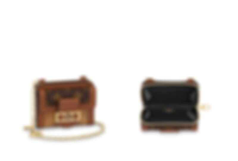 Dauphine小型鏈帶錢包,NT37,900