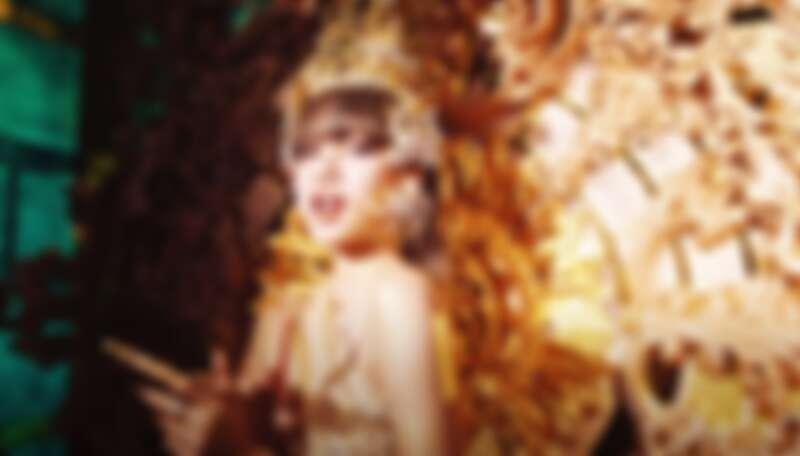 LISA 純手工打造「泰國公主」驚豔全世界!