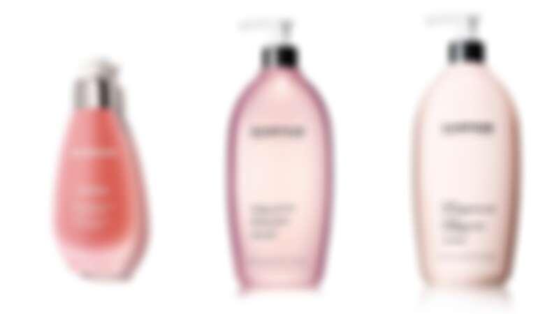 由左至右:精華液、化妝水、潔膚乳