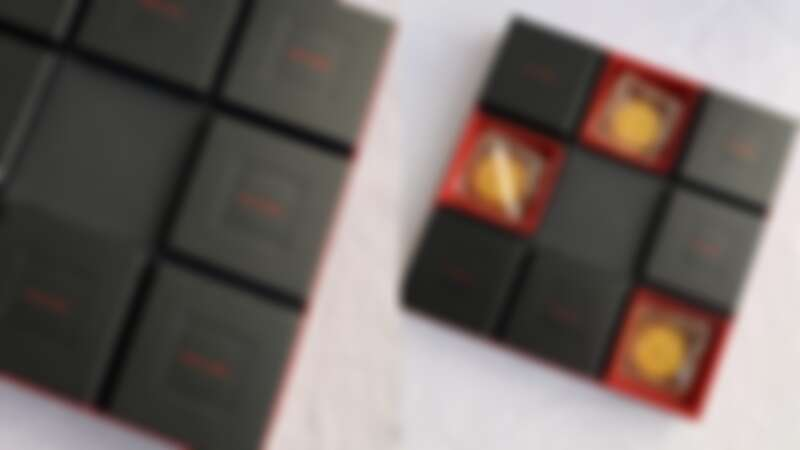 Saint Laurent時髦黑月餅禮盒