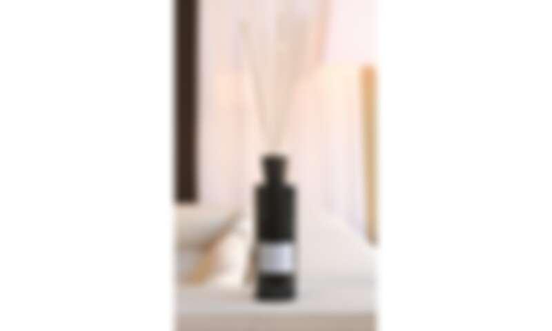 LINARI黑紫晶系列CIELO擴香組情境圖
