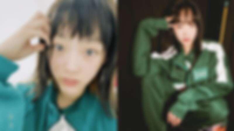 李瑜美《魷魚遊戲》造型,右邊則為下戲後再度穿上戲中制服。