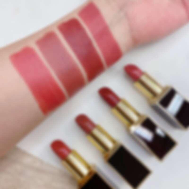 TOM FORD NUDE LIP木質調唇膏刷色,左起依序為:N1、N2、N3、03。