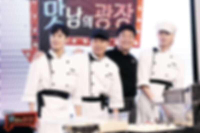 開播時成員左起有金桐俊、梁世炯、金希澈,黑衣服為白種元老師。