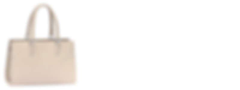 Paris Premier象牙白款 NT72,300(小)、NT80,100(大)