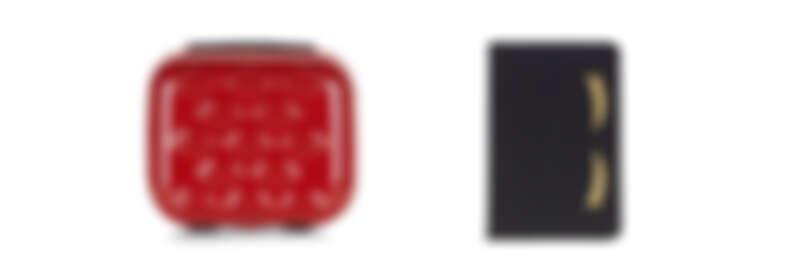 (由左至右) 紅唇化妝箱NT6,580/ 翹睫毛iPad護套NT3,280