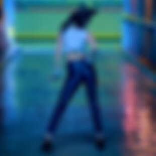 只是羨慕就輸了!韓星瘦身操練出少時美腿、21吋小蠻腰