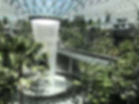 全球室內最高瀑布、日本海外首間精靈寶可夢中心、東南亞最大Nike客製T-Shirt  新加坡機場全新「星耀樟宜」串聯三大航廈  不出機場也能大玩特玩