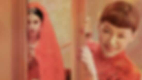 Jolin蔡依林、小S超狂合體〈紅衣女孩〉MV玩驚悚!根本是紅衣小女孩番外篇