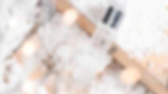 巴黎萊雅重磅推出 全新積雪草晶透青春露 獨家專利親膚配方 無油清爽質地完美滲透 「開架青春露」4周實測有感 不只修護更晶瑩透亮