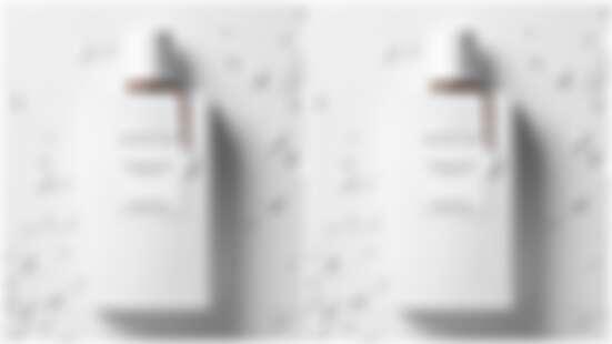 梵克雅寶新香「無瑕‧檀」,以會呢喃的木質香,在不經意的擺動當釋放出愛撫般柔軟的氣味