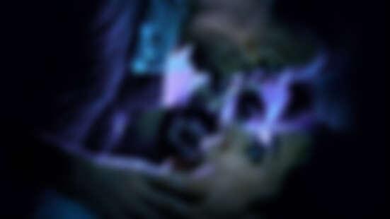 怕到哭!影集這麼嚇人你敢看?Netflix原創法國恐怖影集《惡靈瑪麗安》!