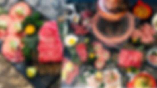 大口吃肉啦!肉你好Yoloniku 推出中秋烤肉套餐,A5和牛、伊比利豬……美味全上桌