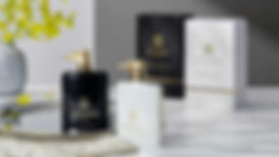 香氛控年度收藏清單再追加!這組TRUSSARDI黑白絕美奢華小金犬造型的男女對香,從外觀到香味全都高級到讓人心空!