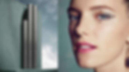 情人節前夕化粧包絕對不能少的約會神器!桃花滿開的魅力就在「一線之間」,勾勒永不NG的滿分完美粧容