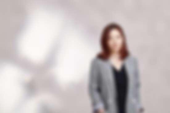 Elaine:「沒想過有朝一日會與韓星結下不解之緣,遭遇契機與改變的箇中滋味,我選擇面對才能走向未知!」
