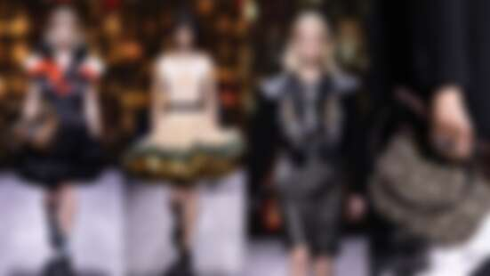 2020秋冬巴黎時裝週|LV橫跨500年的時裝史詩,宮廷風澎裙配機車夾克玩新舊碰撞,「進化版老花」絕對成爆款!