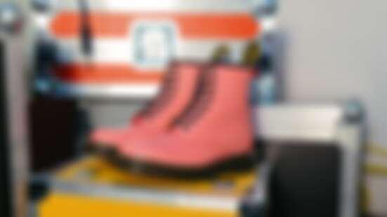 Dr. Martens迎來60週年!最熱賣1460馬汀靴推出全新復古櫻花粉限定色