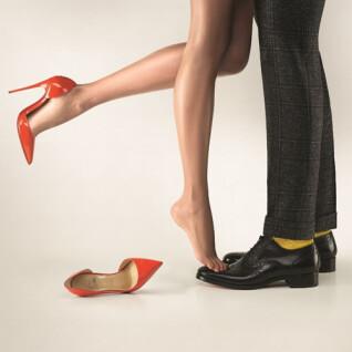 Christian Loubooutin推網上相集向粉絲招手 快來分享妳心愛的紅底鞋兒 ~