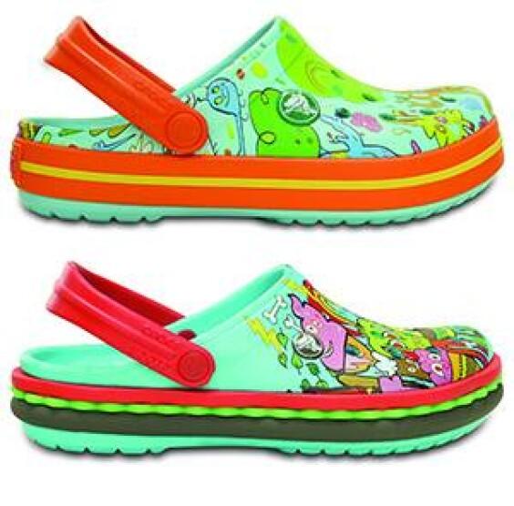 Crocs跨界合作款 逗趣塗鴉打造個人風格時尚!