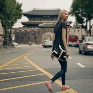 CHANEL 2016 Cruise 渡假系列隨著金髮超模Soo Joo Park進入首爾及紐約遨遊