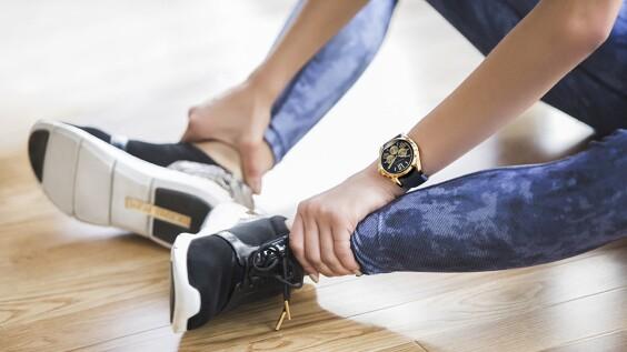 戴上Michael Kors全新智慧型腕錶!一起體驗名人們的生活日常