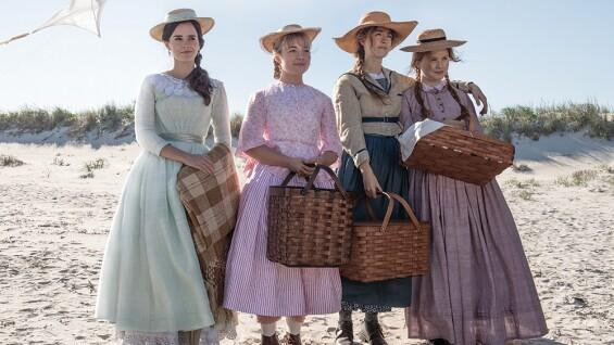 解構奧斯卡服裝設計獎得主還原百年前《小婦人》流行戲服過程!艾瑪華森也注入個人時尚觀,讓《她們》更完整