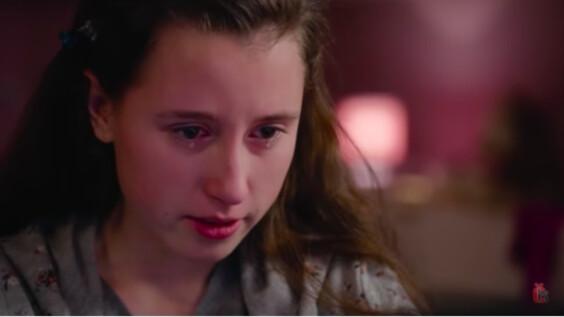 「妳月經來了嗎?是不是處女?」捷克紀錄片:演員扮12歲少女,引出上千位潛在性犯罪者