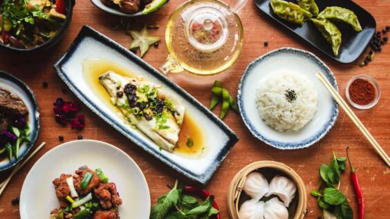 3道低脂家常菜:青椒燜豆腐/蔥油雞/蘆筍清炒蝦仁料理食譜來了!