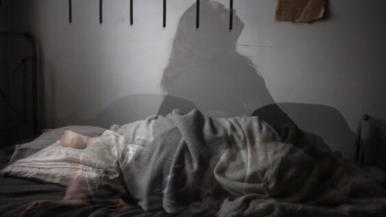 很累卻睡不著?「瑟多納釋放法」5步驟冥想助你擺脫失眠、甩開負面情緒