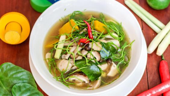 冬瓜玉米排骨湯/豆腐海帶枸杞蛋花湯/絲瓜蝦仁煲,3道養顏補水去秋燥低脂餐食譜來了!
