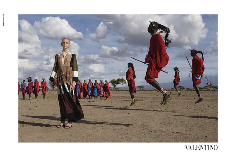 美不勝收是真實並非刻意!攝影記者Steve McCurry執掌VALENTINO神迷奇幻的春季廣告