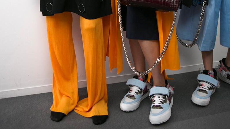 時髦又百搭休閒鞋 是永不退流行的雋永單品