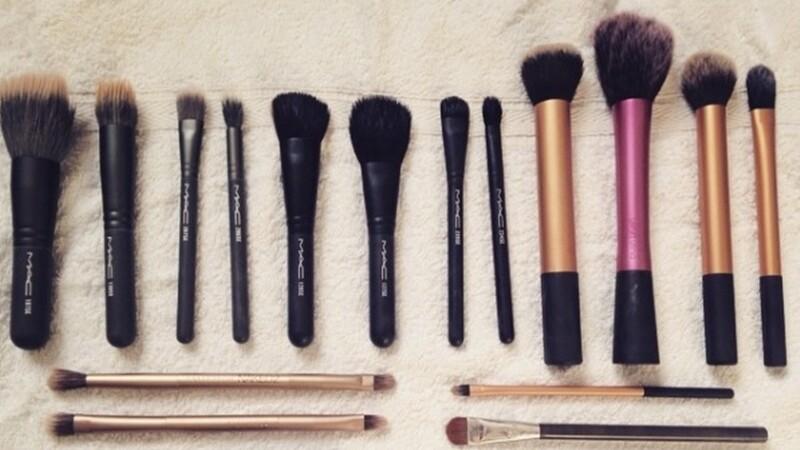 打造透明乾淨妝容第一步,刷具也要洗香香!