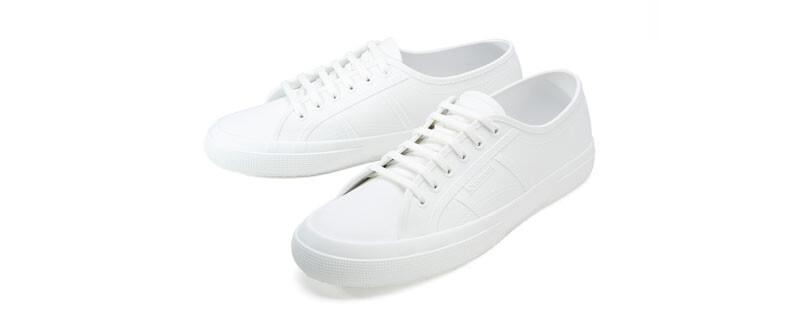 雨天就靠這雙小白鞋!SUPERGA®防水經典款時尚登場