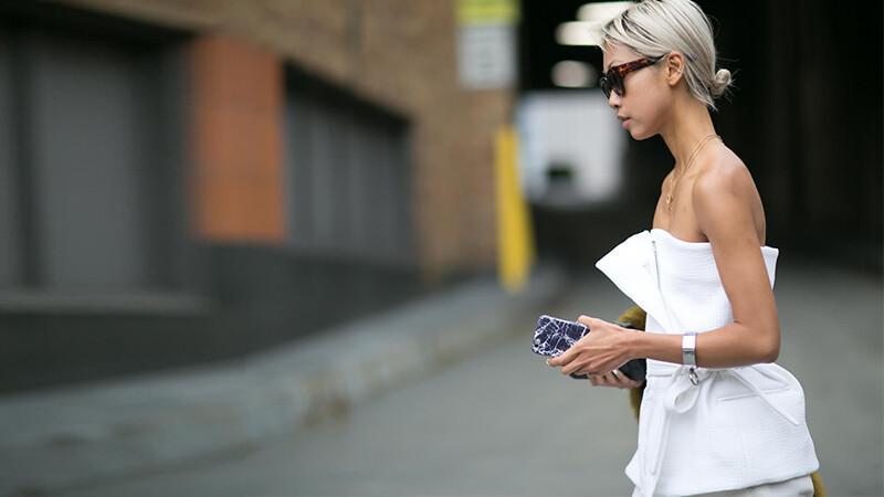 白色背心、白色洋裝,不用多想,夏天穿白的就對了!