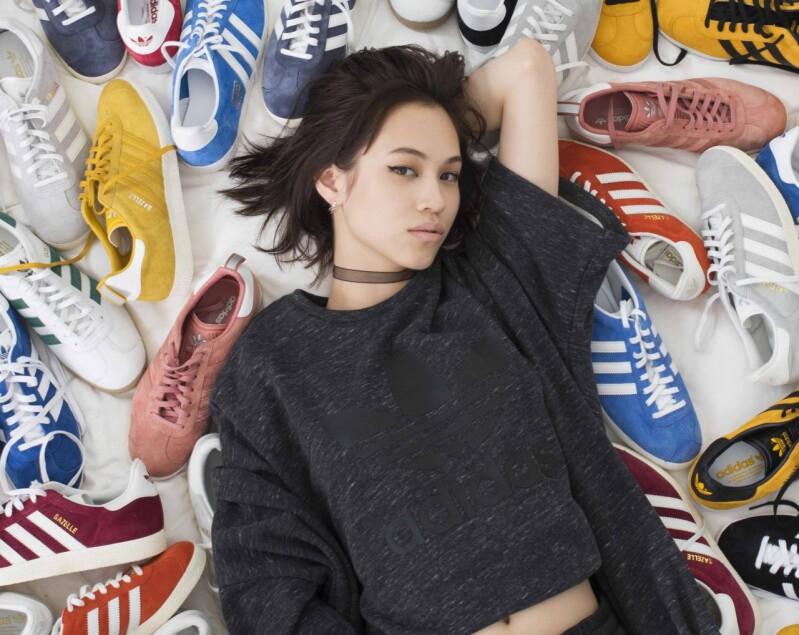 """空氣中已經瀰漫了一股 """"我也該要來一雙了"""" 的感覺,adidas Originals Gazelle ! 今年秋冬必Get的百搭美鞋"""