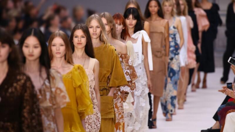 【巴黎時裝週】散發小女人的甜美!Chloé春夏大秀展現法式純真風格