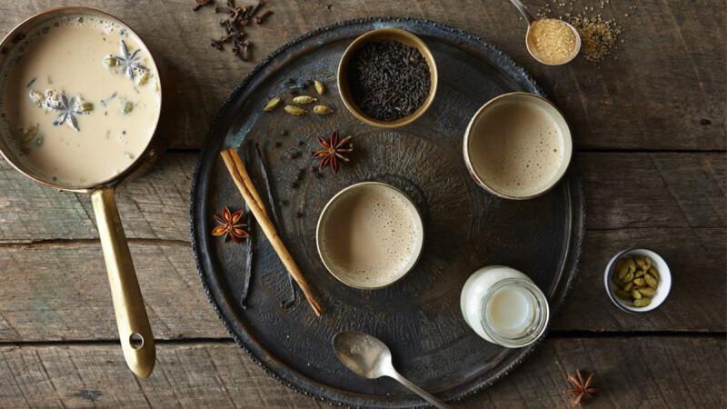 冬日裡,來一杯溫暖辛香的印度奶茶