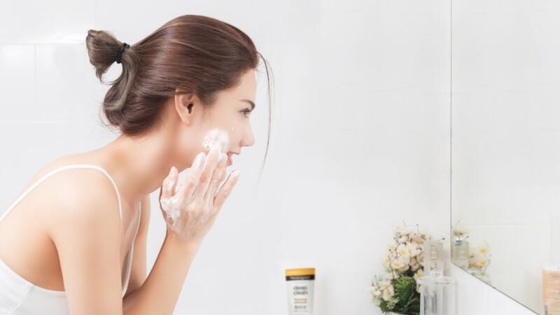 別再追求綿密的泡泡!洗臉、卸妝這3大迷思你誤踩了哪幾項
