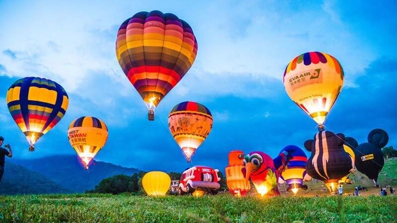 【玩咖懶人包】跟繽紛熱氣球一起夢幻升空吧!盤點2019台灣3大熱氣球嘉年華,俯瞰花東縱谷、黃金稻浪,配上光雕秀、音樂會好浪漫