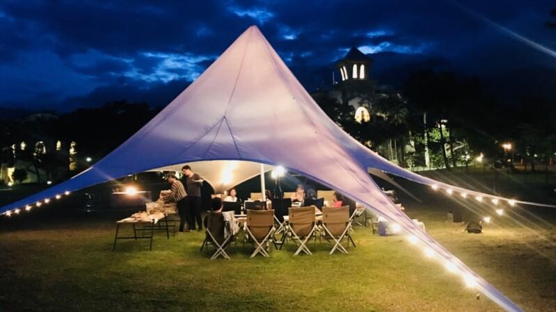 不用出國就能享受「奢華露營」!頂級帆船帳篷內有冷氣,河岸美景配星光BBQ超浪漫,立刻揪團出發吧~