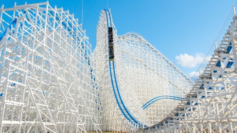 樂園控必衝「長島溫泉樂園」!2019全新雲霄飛車「白鯨」爬升18樓高俯衝、嗨到尖叫3分鐘停不下來