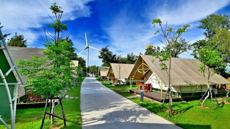 全台首座海邊豪華露營區!台中「向海那漾」聽海聲入眠、獨享五星級設施,旁邊就是海水浴場