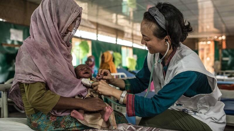 不只是南丁格爾─「她們」在無國界醫生MSF的故事。遭遇空襲仍要出任務、盼為當地婦女開一扇窗。