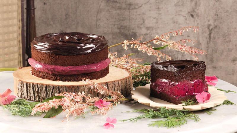 季節限定!BAC推「野莓維納斯」夢幻蛋糕登場,巧克力尬莓果、火龍果酸甜新滋味